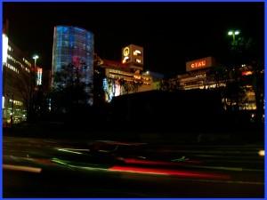 横浜駅西口 伊東豊雄「風の塔」